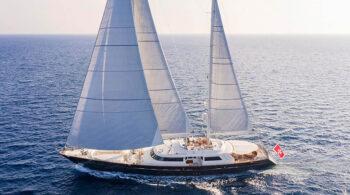 charter-xasteria-yacht